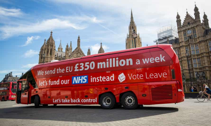A Vote Leave battle bus inscribed with the dubious £350m a week statement.