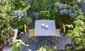 Green thought in a green shade… a cleverly designed rooftop space in Bloomsbury, central London.