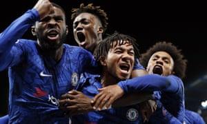 Fikayo Tomori, Tammy Abraham, Reece James and Willian celebrate Chelsea's fourth.