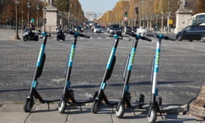 Wind electric scooters at the Place de la Concorde.