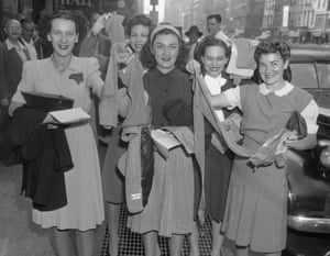 Women in New York City with nylon stockings, 1940