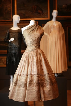 Soirée de Lahore, evening dress (1955) by Christian DiorWinter silk (organza), metallic thread, diamanté