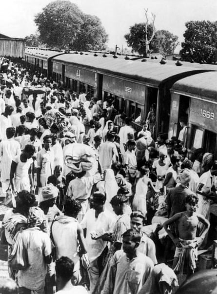 Hindu refugees from eastern Bengal, which became part of Pakistan after partition, arrive in Bangaon, western Bengal, circa 1947. The town then marked the border with India