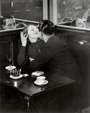 Couple d Amoureux dans un Petit Cafe Quartier Italie c1932 c Estate Brassai Succession Paris
