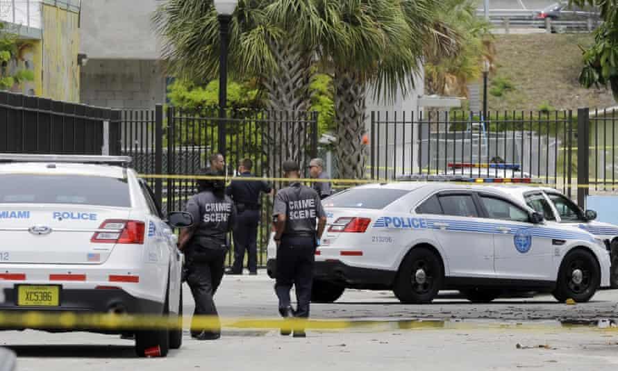 Miami police shooting homeless man