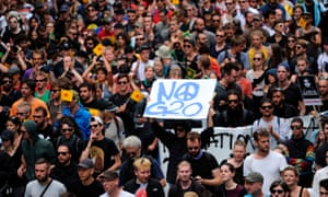 """Protesters against globalisation say """"no G20"""" in Hamburg."""