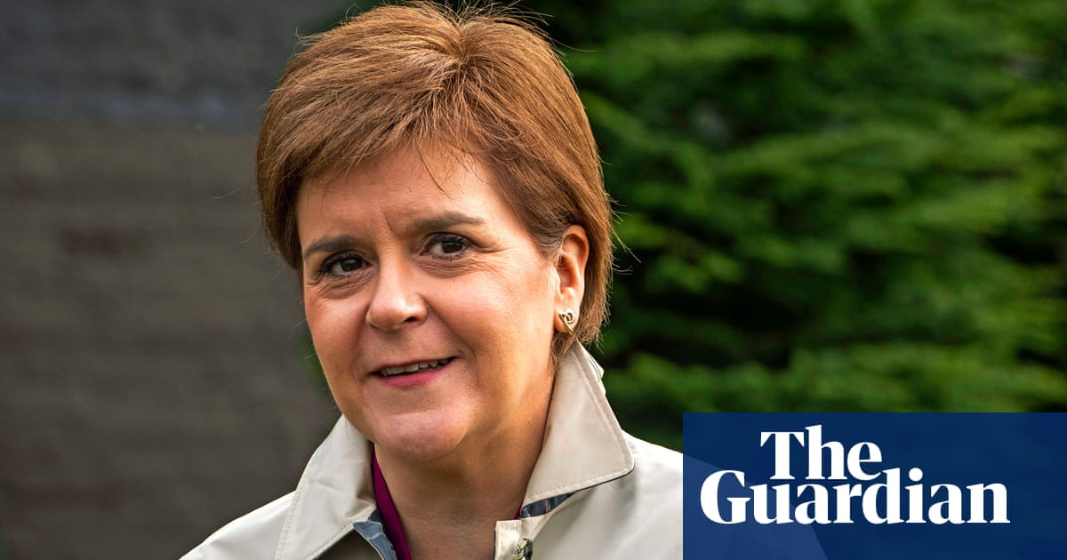 Salmond trying to trick way to independence, says Sturgeon
