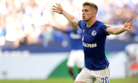 Jonjoe Kenny celebrates after scoring Schalke's third goal during the win over Hertha Berlin in August.
