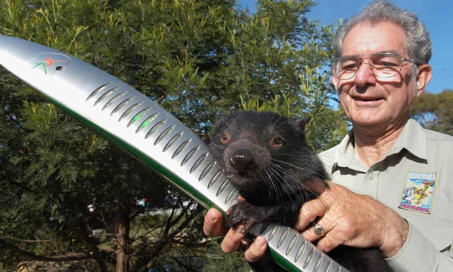 Bruce Englefield with Rascal the Tasmanian devil in 2006.