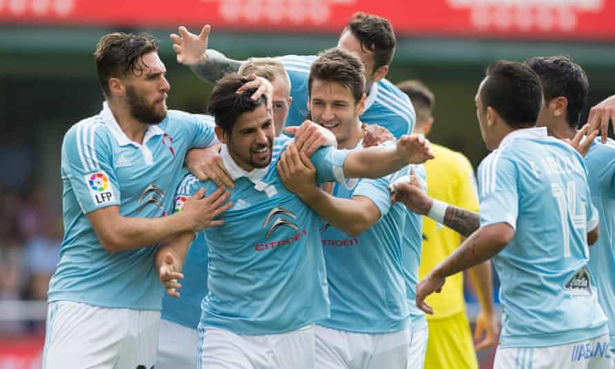 Celta Vigo players celebrate Nolito's goal against Villarreal.