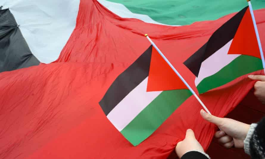 A headteacher had to apologise after saying some people saw the Palestinian flag as a symbol of antisemitism.