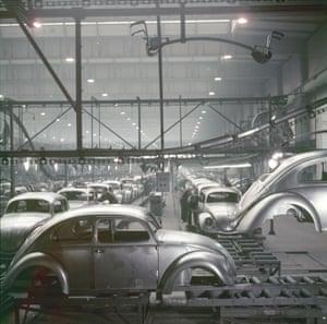 Production under way in Wolfsburg, 1952.