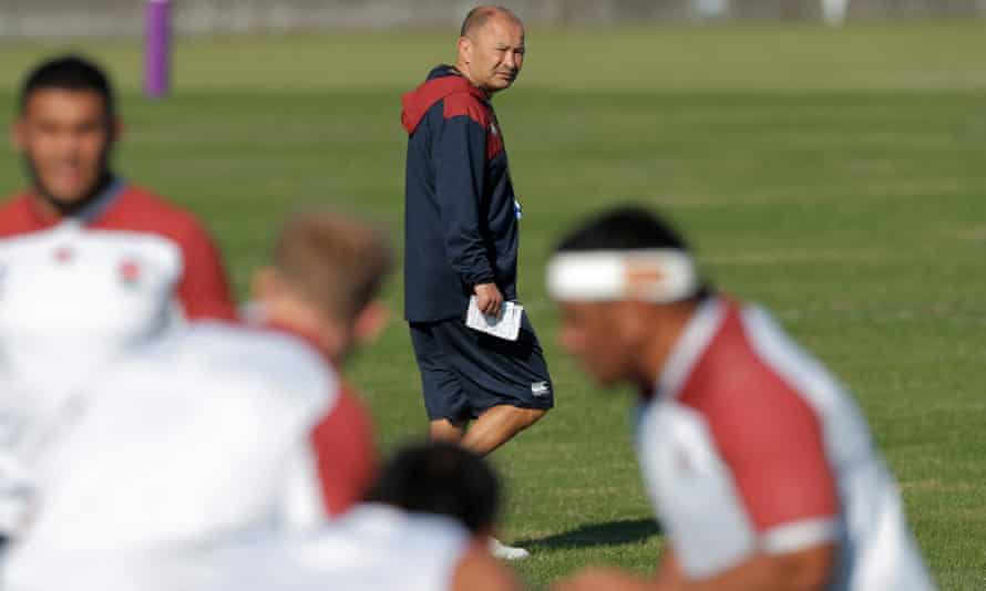 Eddie Jones watches England's forwards during training for the World Cup final against South Africa.