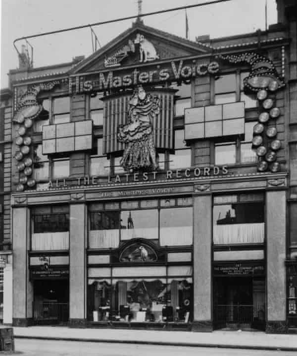 HMV di 363 Oxford Street pada pertengahan 1920-an.