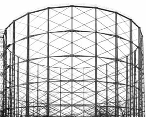Gas holder tower in  Aston, Birmingham photographed by Richard Chivers.