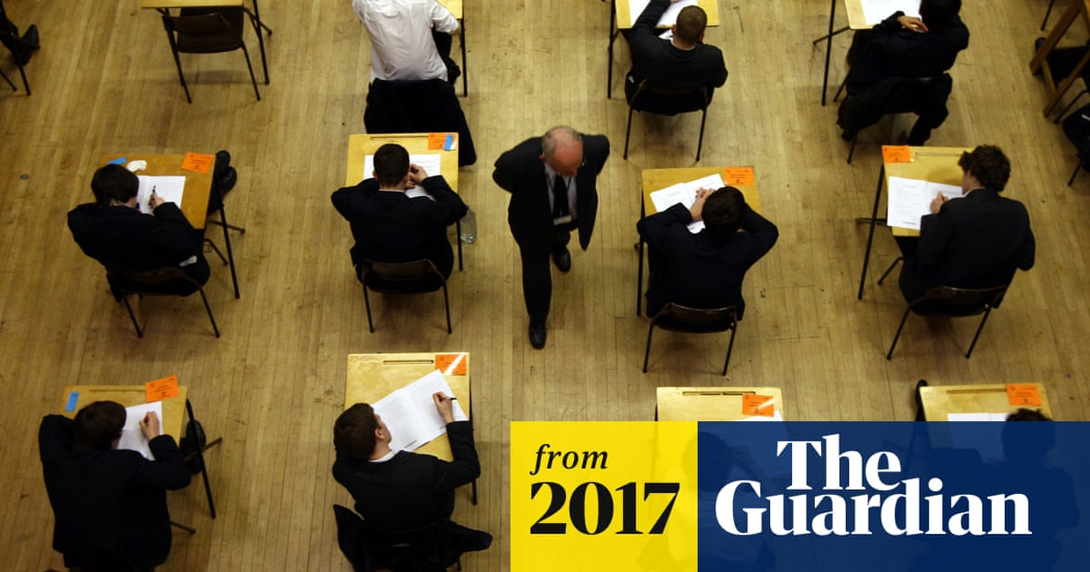 Exam boards 'in muddle' over students challenging GCSEs