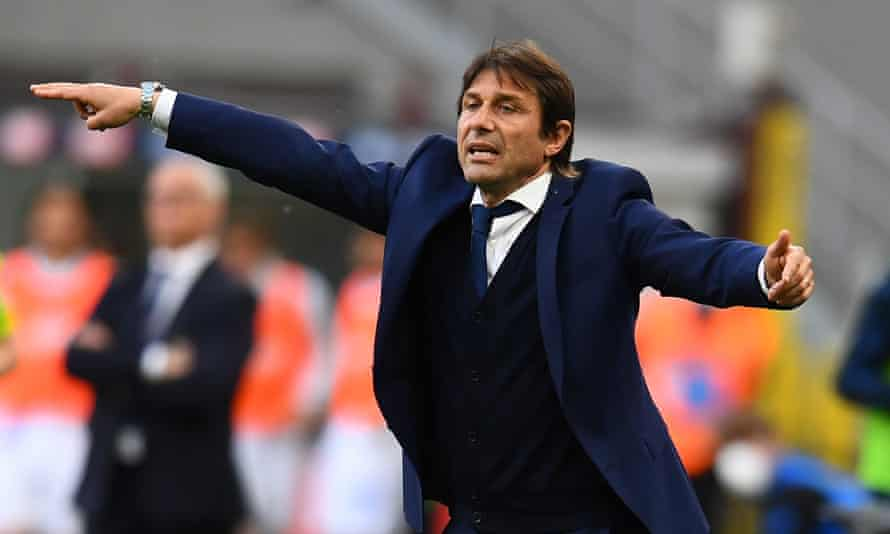 Antonio Conte as Internazionale coach on the touchline in May 2021