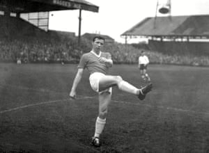 Nobby Stiles makes his debut for Manchester United on 1 October 1960