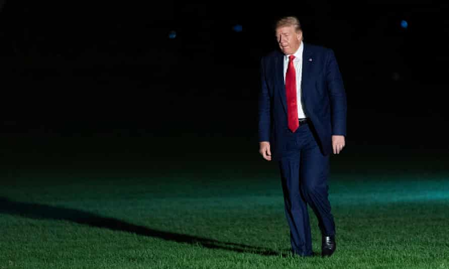 Donald Trump returns to the White House after speaking at rally in Minneapolis on Thursday night.
