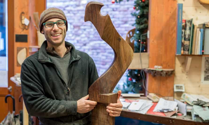 Piero Dri is a master remer, maker of oars and forcole (rowlocks). The craft of the remer dates back to the 1300s.