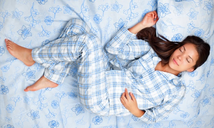80a6096b3cc Is it healthier to sleep naked rather than in pyjamas