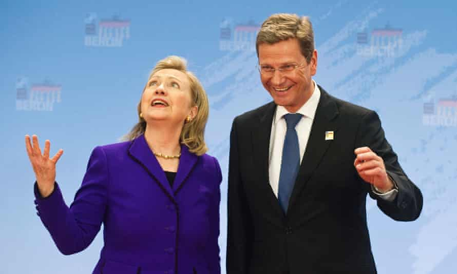 Guido Westerwelle at a conference with Hillary Clinton in 2014.
