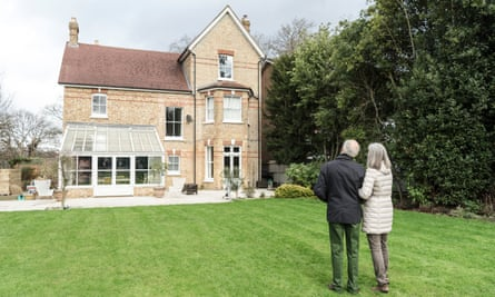 Investing in purpose-built housing for older people will encourage downsizing and free up family-sized homes, a new report argues.