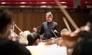 Esa-Pekka Salonen conducts the Philharmonia Orchestra.