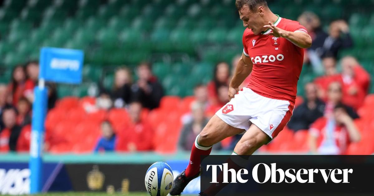 Jarrod Evans misses last-gasp penalty after Wales fight back against Argentina