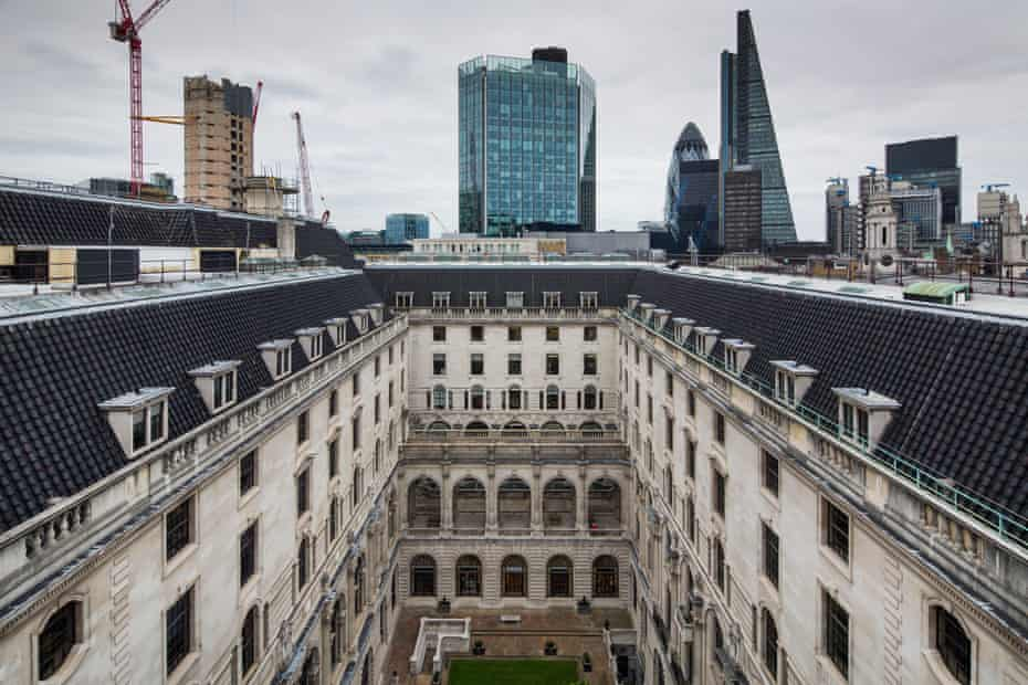 The Bank of England is wall-off and self-contained from the surrounding City of London.
