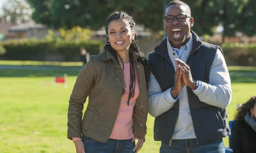 Susan Kelechi Watson as Beth and Sterling K Brown as Randall in This is Us