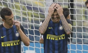 Mauro Icardi grimaces after missing a penalty kick during the defeat to Cagliari.
