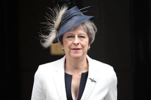 London, UK. Theresa May leaves 10 Downing Street after a meeting with her new cabinet