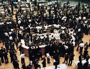 Tokyo Stock Exchange (1990) by Andreas Gursky.