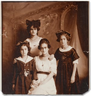 A portrait of the Kahlo-Calderón sisters: (clockwise from the left) Cristina, Adriana, Matilde and Frida, who was then aged 10