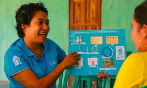 Midwife Mana Malena delivering contraception education in Timor Leste.