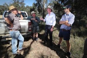 Barnaby Joyce meets farmers around Duri