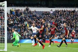 Fernando Llorente of Tottenham Hotspur hits the crossbar with a shot.