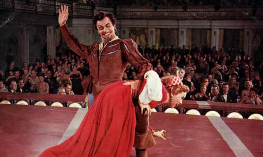 Howard Keel and Kathryn Grayson in the 1953 film of Kiss Me Kate.