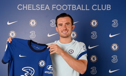Ben Chilwell has signed a five-year contract at Stamford Bridge.