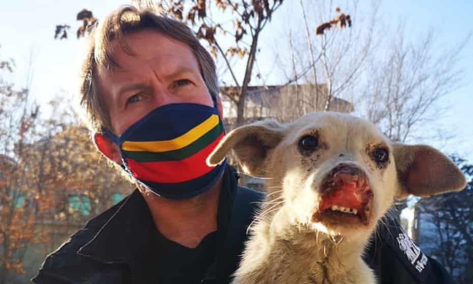 Paul 'Pen' Farthing' with Nowzad shelter dog