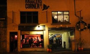 Hagglers Bar, exterior