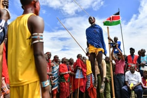 Kimana, Kenya: Traditional dancing during the Maasai Olympics