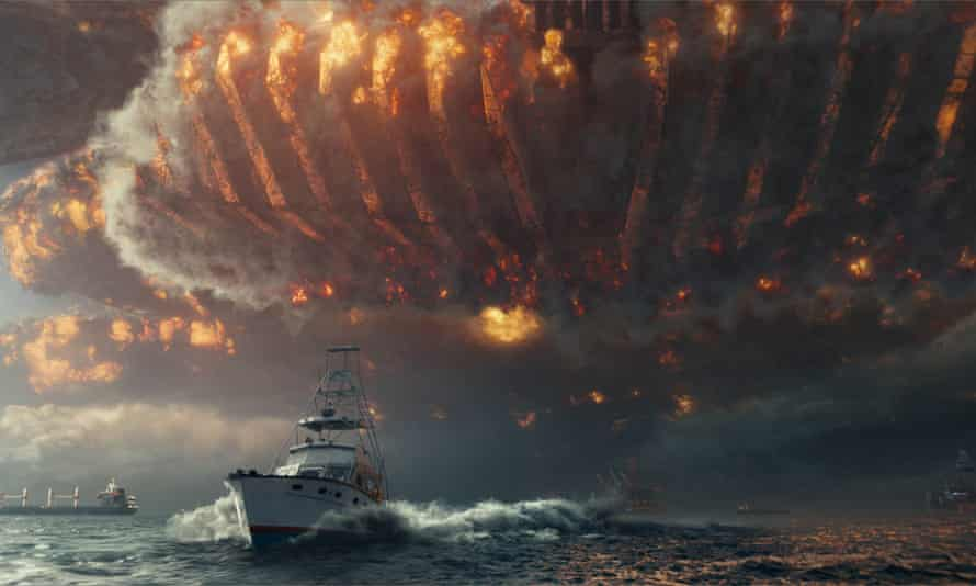 An alien attack in Independence Day: Resurgence.