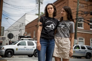 Sophie Schectman and her sister Rebecca pose for a picture in Charlottesville