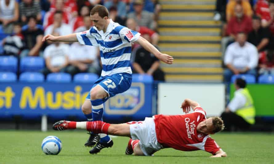 Scott Davies in action for Reading against Nottingham Forest in August 2009.