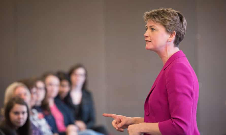 Shadow home secretary Yvette Cooper has urged the government to take 10,000 refugees in the next few months