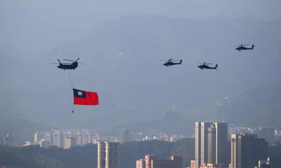 Taiwan: huge flag flyover rehearsal ahead of national day amid China's threats