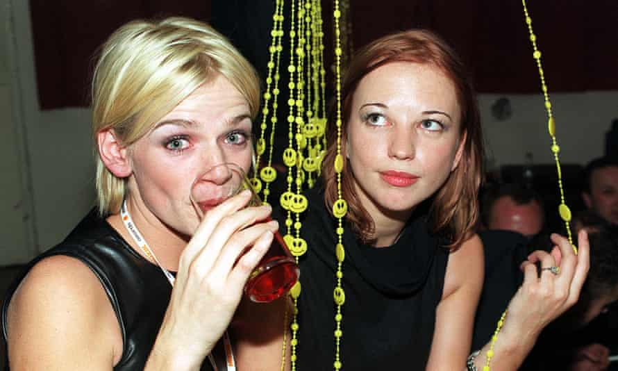Zoë Ball and Sara Cox, seen by many as the embodiment of ladette culture.