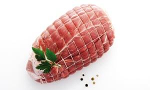 Raw pork roast; elevated view og gammon